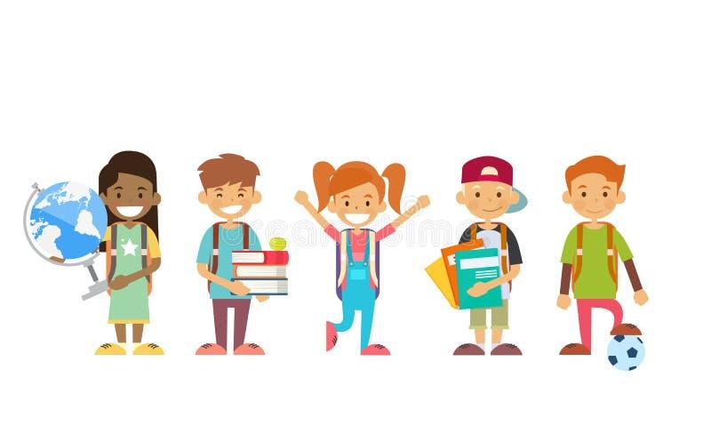 Schulkind-Gruppe, die Kugel, Bücher, Schreibhefte hält stock abbildung