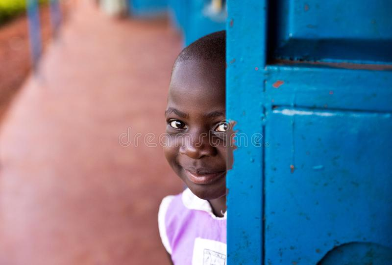 Schulkind in Uganda stockbild