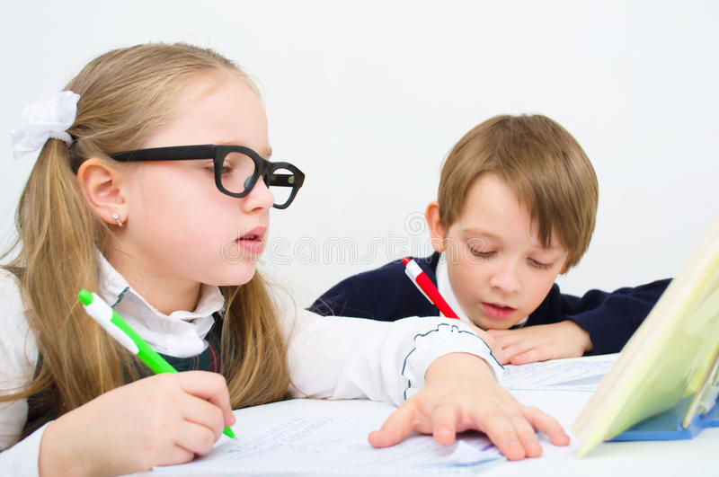Schulkinder stockbild