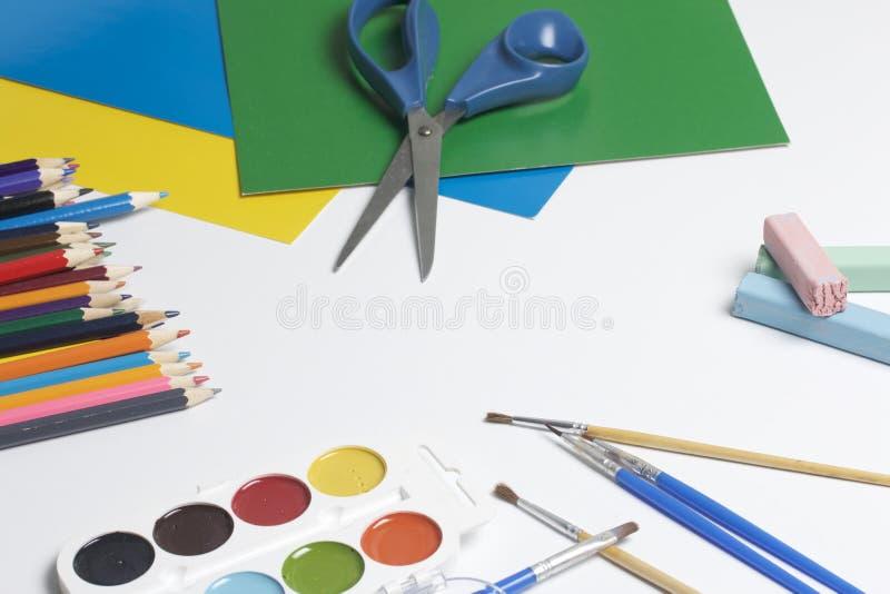 Schulzubehör für Kreativität stockfotos