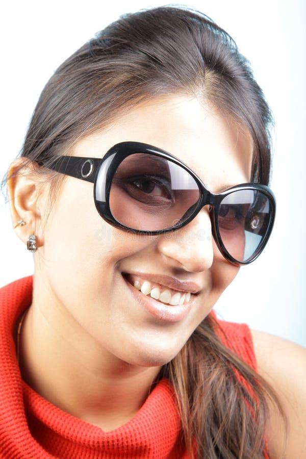 Schutzbrillemädchen stockfotografie