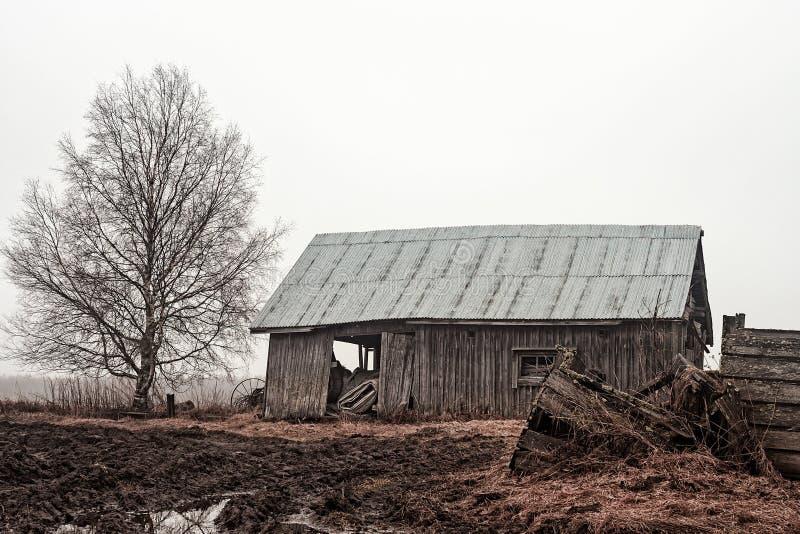 Schuurhuis op de Regenachtige Gebieden stock foto
