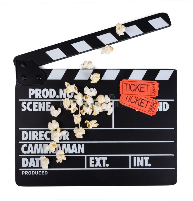 Schwärzen Sie mit Weißbuchstaben Scharnierventil, Filmkarten und wenig Popcorn stockfotos
