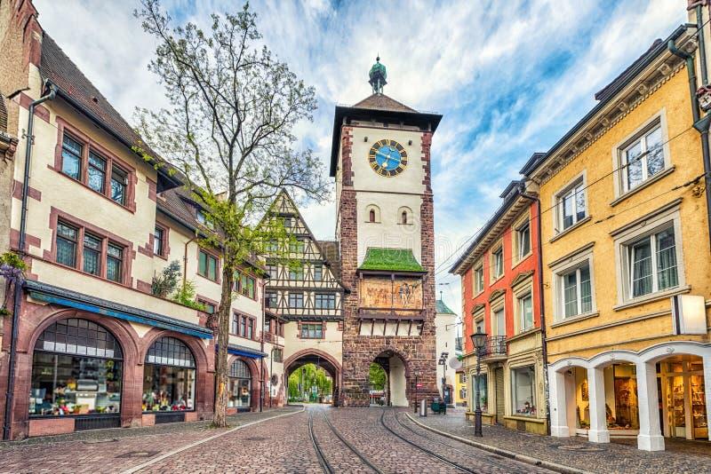 Schwabentor - исторический строб города в Фрайбурге, Германии стоковое изображение rf