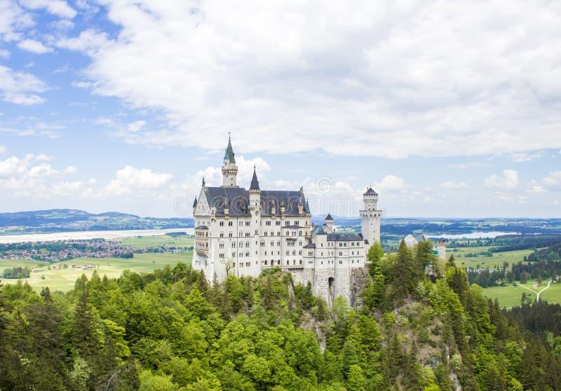 Schwangau Tyskland - Neuschwanstein slott arkivbild