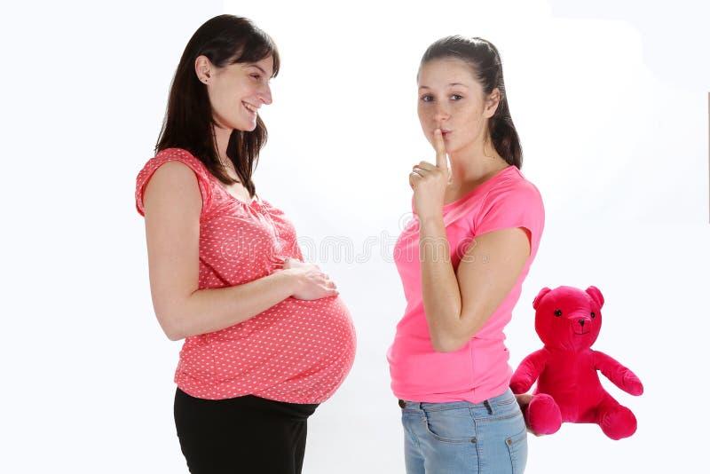 Schwangere Frauen und Mädchen lizenzfreie stockfotos