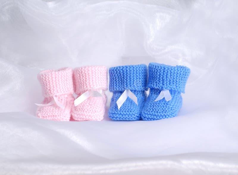 Schwangerschaftkonzept: Junge oder Mädchen lizenzfreie stockfotografie