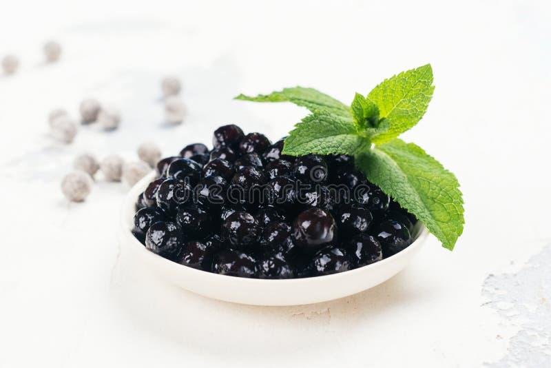 Schwarze Perlen von Tapioka stockfoto