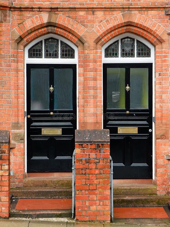 Schwarze Türen stockfotos