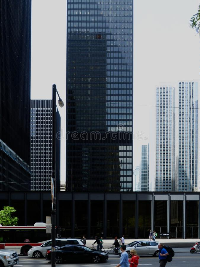 Schwarze Türme von im Stadtzentrum gelegenem Toronto stockbilder