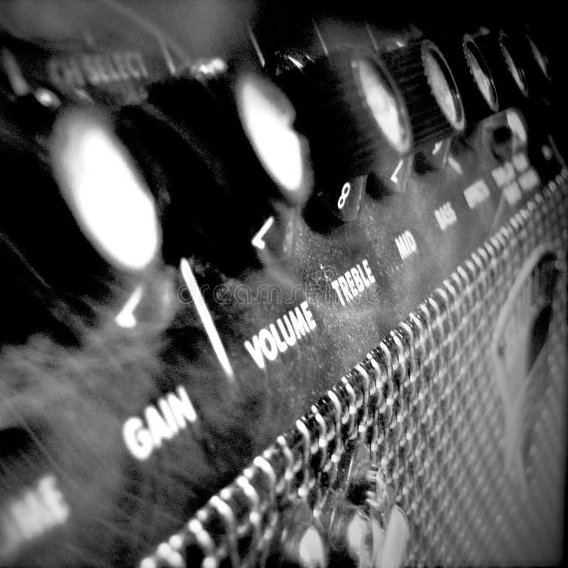 Schwarze u. weiße Gitarren-Verstärker-Kunst stockbild