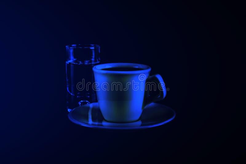 Schwarzer Kaffee in der weißen Schale und in einem Glas sambuca mit Kaffee stockbild