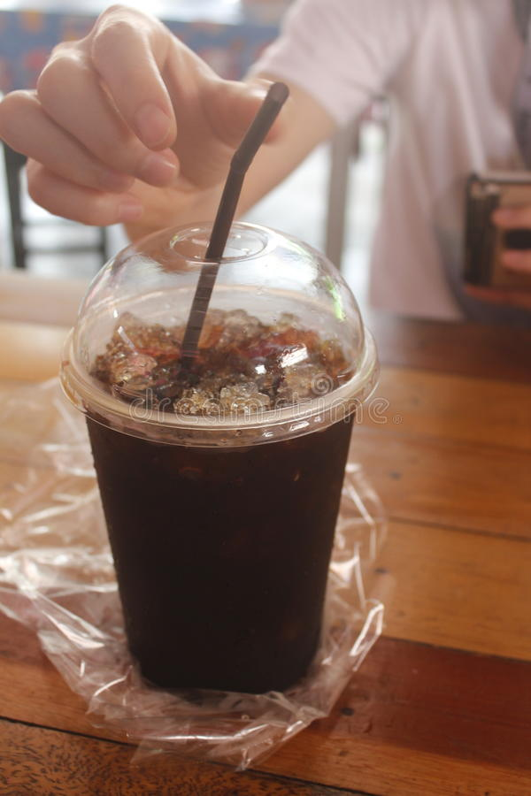 Schwarzer Kaffee des Eises lizenzfreies stockbild