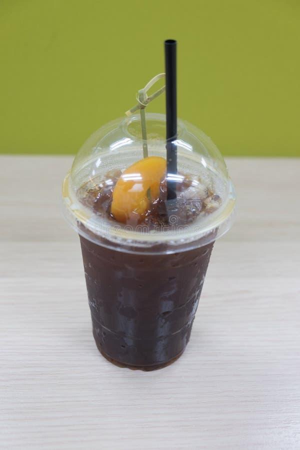 Download Schwarzer Kaffee Mit Pfirsich Stockfoto - Bild von feinschmecker, sahne: 96935190