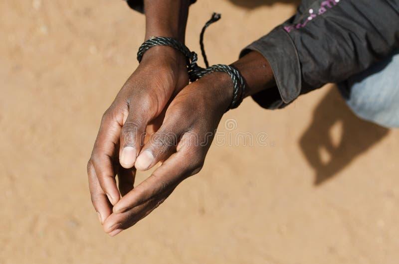 Schwarzer Mann-Sklave Refugee Symbol - Menschenrechtsfrage lizenzfreie stockbilder