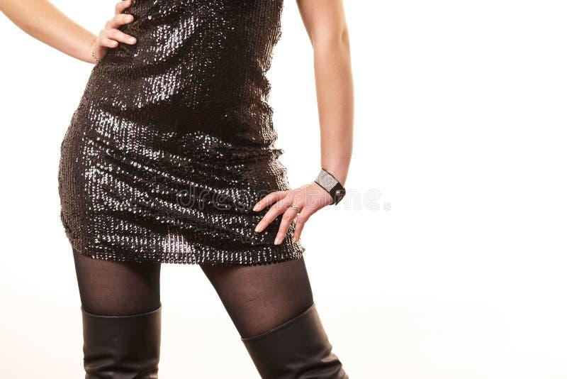 Schwarzer Rock mit Pailletten lizenzfreie stockbilder
