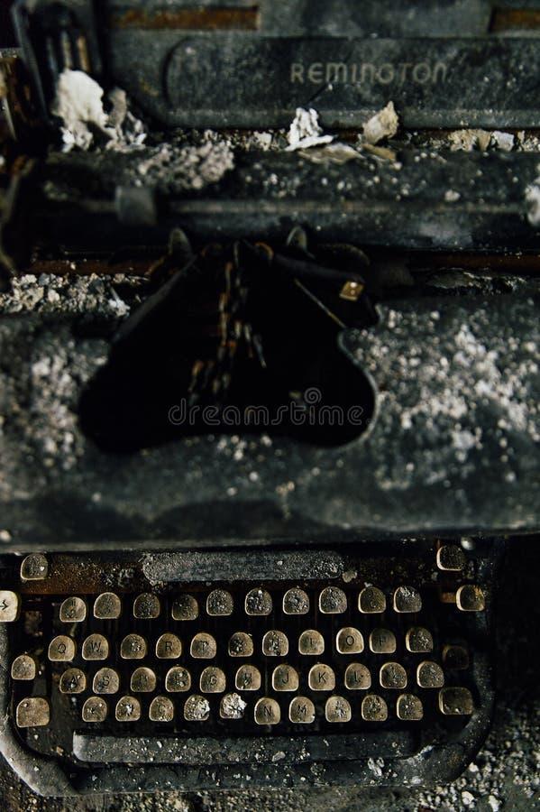 Schwarzer Stahl schwarzer stahl remington rand typewriter mit elfenbein schlüsseln