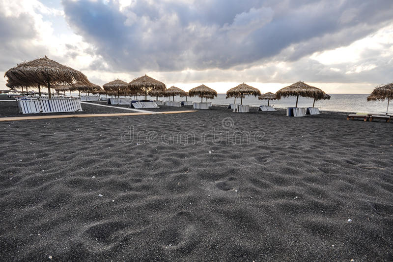 Schwarzer Strand in Santorini lizenzfreie stockfotografie