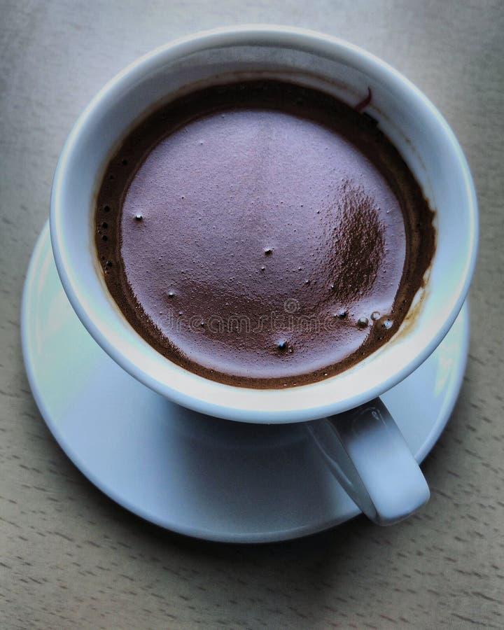 Schwarzer t?rkischer Kaffee stockfotos