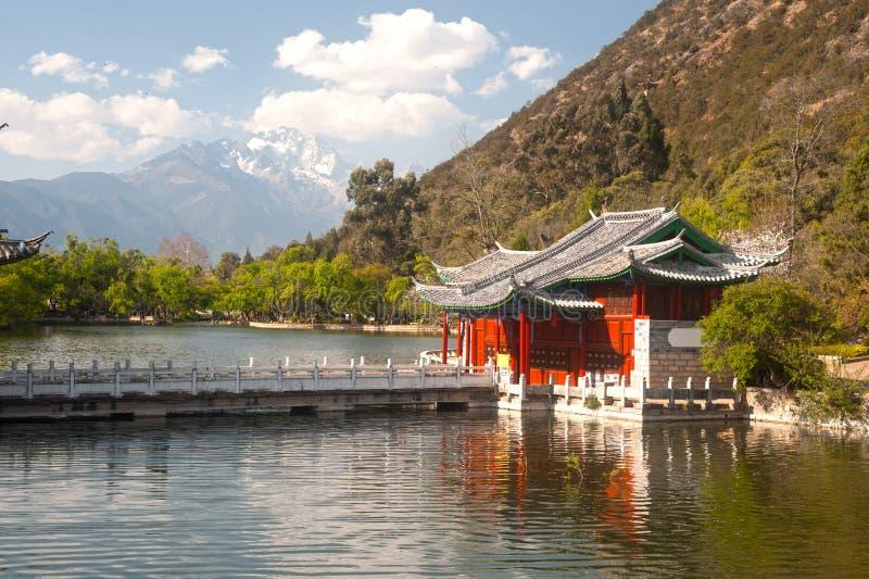 Schwarzes Dragon Pool in Lijiang, Yunnan von China. lizenzfreies stockfoto