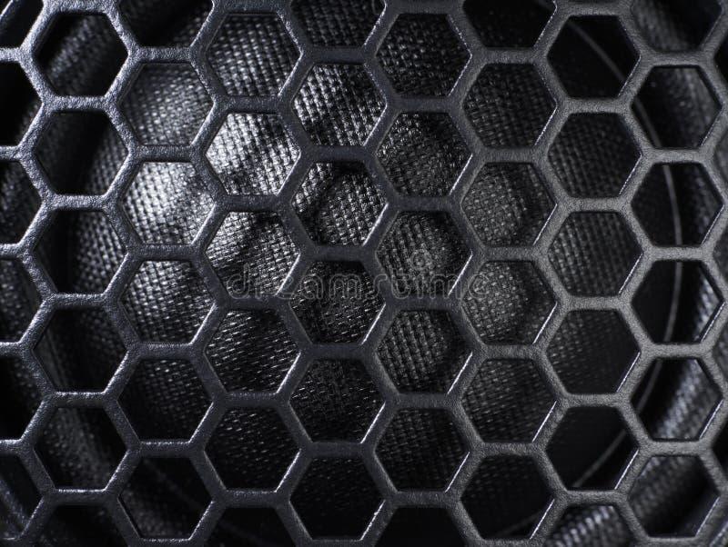 Schwarzes Gitter in der Dunkelheitsrückseite stockfoto