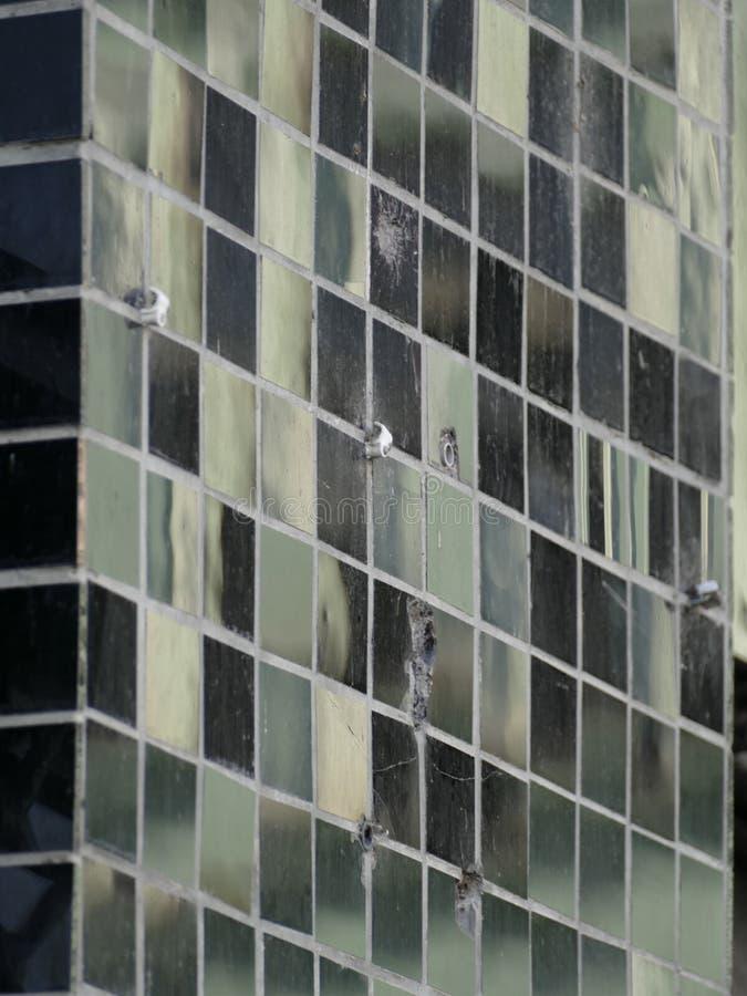 Schwarzes glattes Mosaikfliesenmuster stockbild