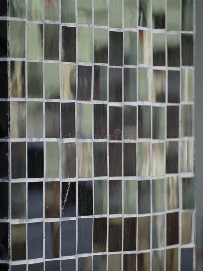 Schwarzes glattes Mosaikfliesenmuster lizenzfreie stockbilder