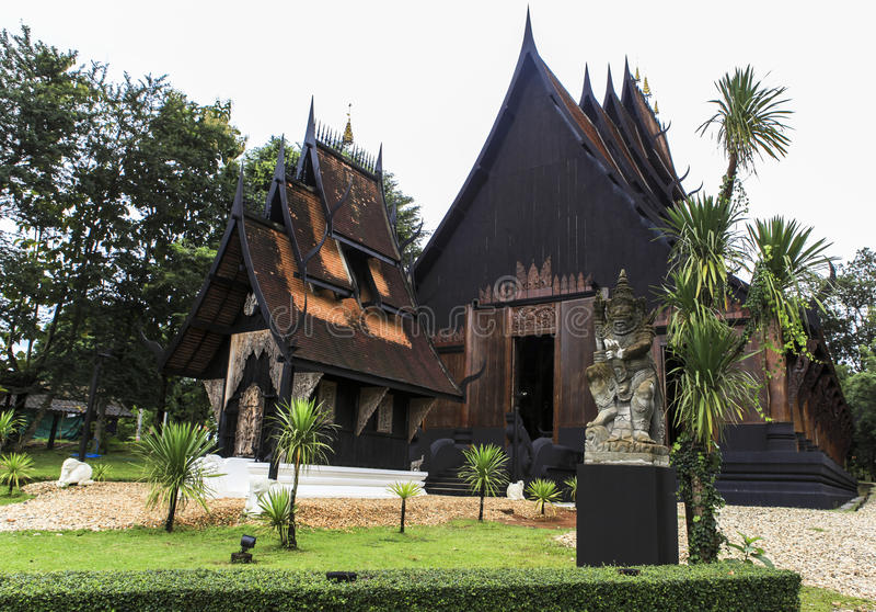 Schwarzes Haus schwarzes haus in chiangrai stockbild bild