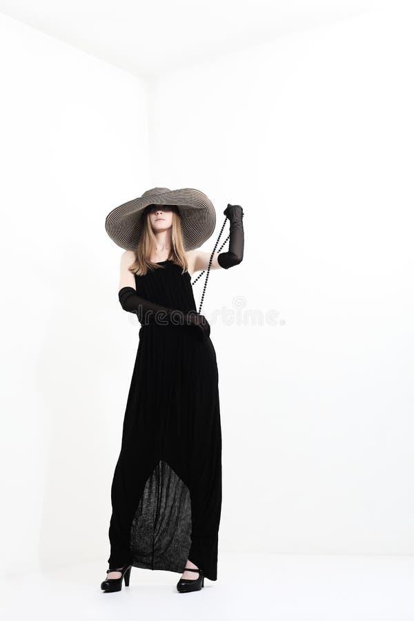 Schwarzes Kleid lizenzfreies stockfoto