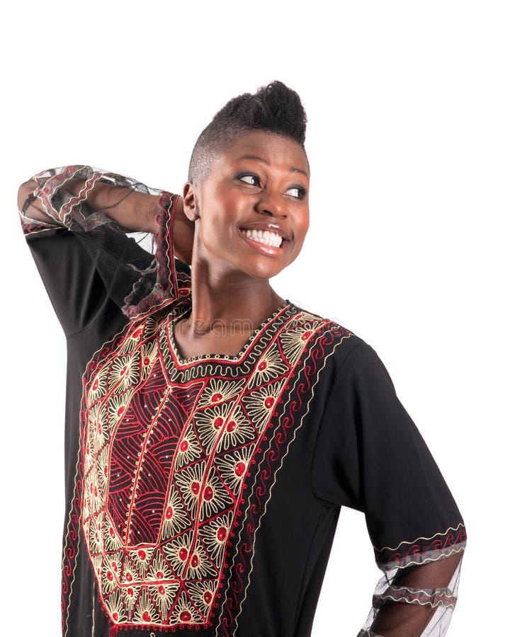 Schwarzes Mädchen mit warmem Lächeln stockfotos