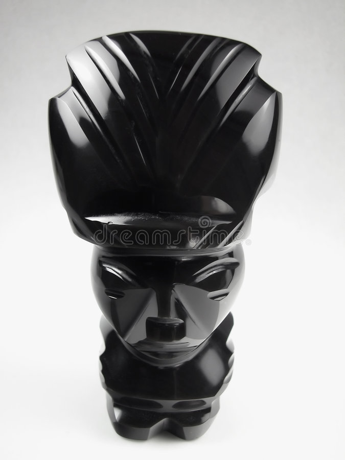 Schwarzes Onyx-Azteke Polieridol stockbild