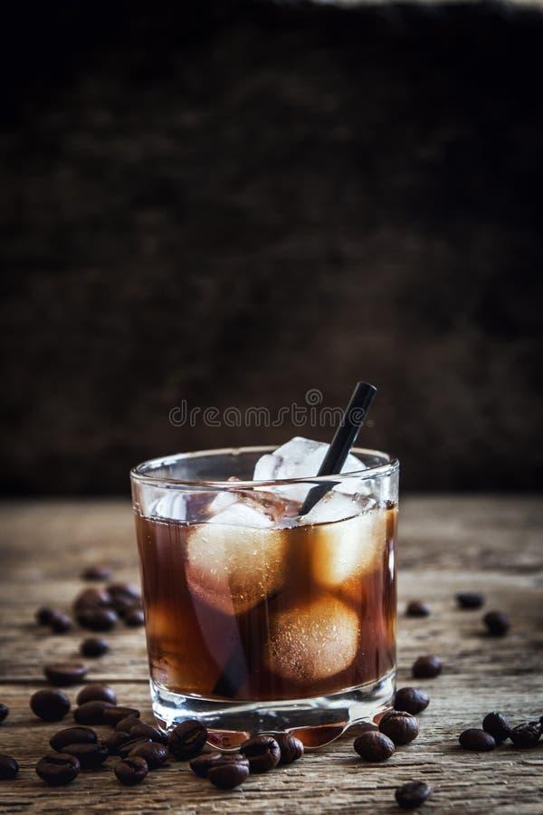Schwarzes russisches Cocktail lizenzfreie stockfotos