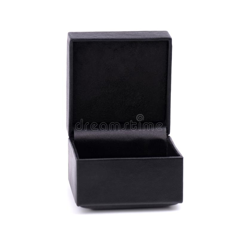 Schwarzes Schmuckkästchen lokalisiert auf weißem Hintergrund Schwarzer lederner Kasten Öffnen Sie die schwarze Geschenkbox, die a stockfotografie