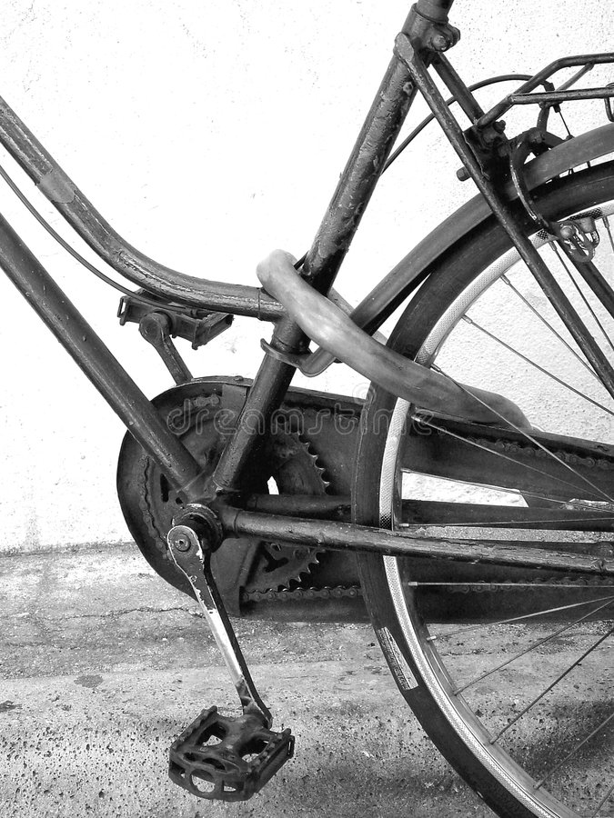Schwarzes u. Fahrrad stockfoto