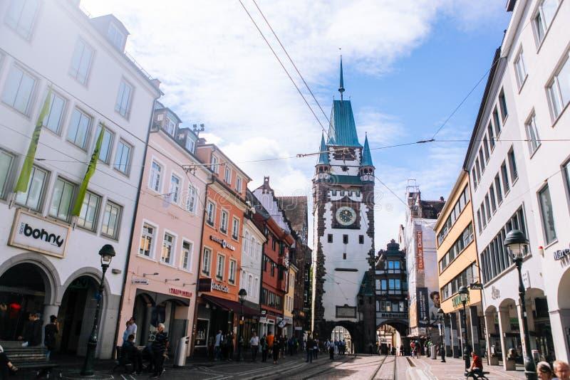 Schwarzwald Freiburg-im-Breisgau En agosto de 2017 Vistas en la ciudad vieja Freiburg-im-Breisgau del estudiante Alemania en bosq fotos de archivo