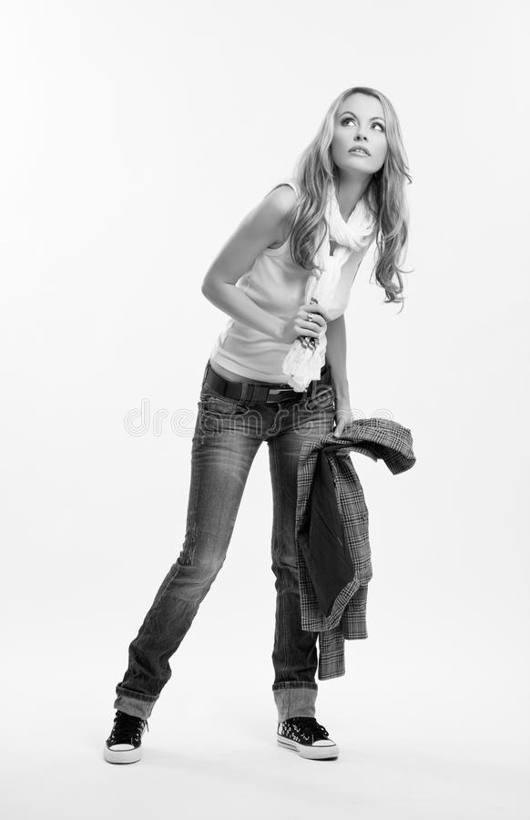 Schwarzweiss-Abbildung einer netten Frau stockfotos