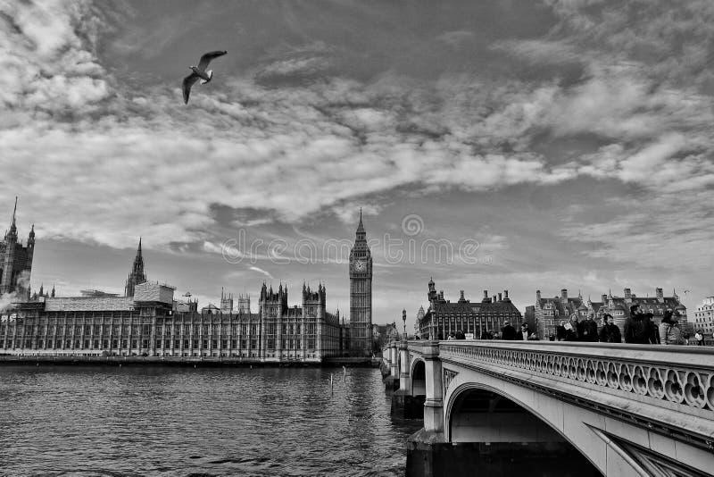 Schwarzweiss-Ansicht zu Big Ben stockfotos