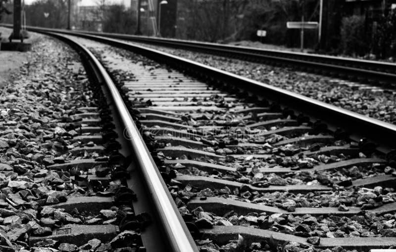 Schwarzweiss-Eisenbahn stockfoto