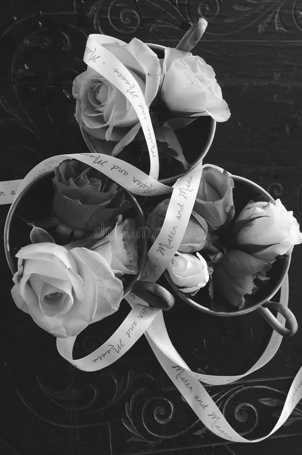 Schwarzweiss-Hochzeits-Dekoration lizenzfreie stockfotos