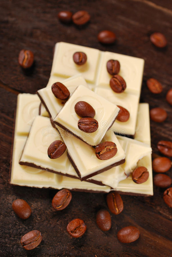 Schwarzweiss-KaffeeSchokoriegel lizenzfreie stockbilder
