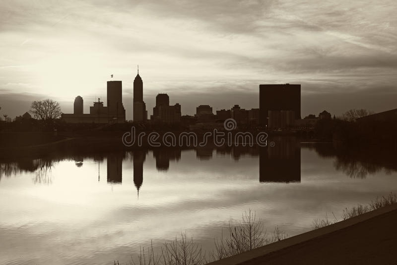 Schwarzweiss-Panorama von Indianapolis stockfotografie