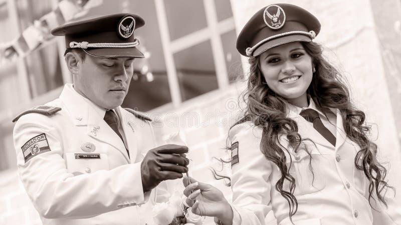 Schwarzweiss-Porträt von jungen Marine-Offizieren lizenzfreies stockbild