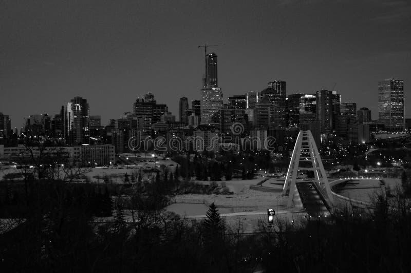Schwarzweiss-Stadtbild von Edmonton, Alberta, Kanada stockfotos