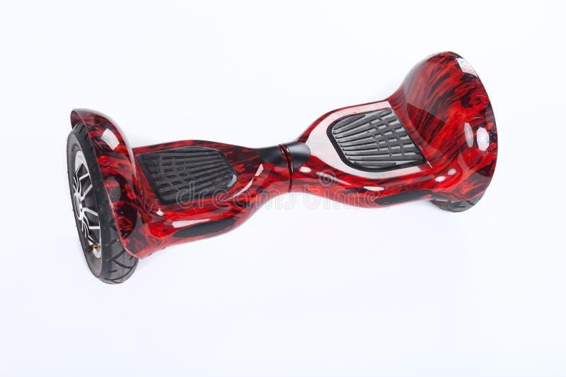 Schwebeflug-Brett, Abschluss oben des Zwillingsrads, selbstabgleichendes, elektrisches Skateboard auf weißem Hintergrund Umweltfr stockbilder