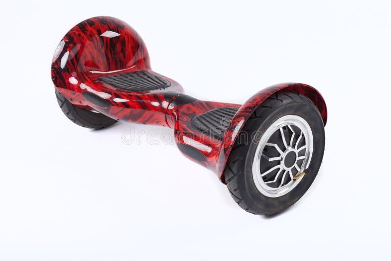 Schwebeflug-Brett, Abschluss oben des Zwillingsrads, selbstabgleichendes, elektrisches Skateboard auf weißem Hintergrund Umweltfr lizenzfreie stockfotos