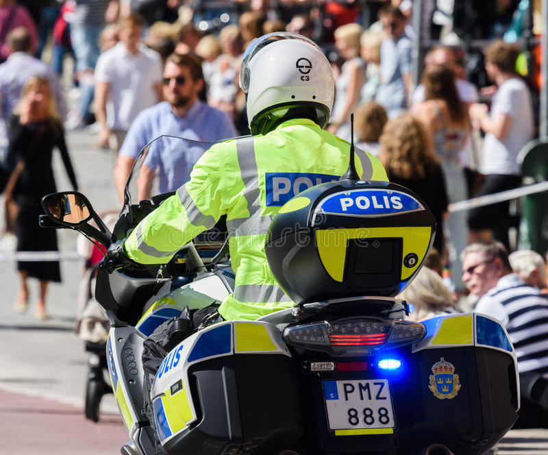 Schwedische Motorradpolizei in Stockholm Pride Parade 2015 lizenzfreies stockfoto