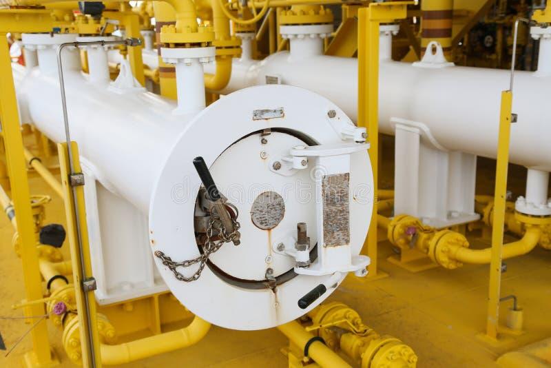 Schweinabschussrampe in der Öl- und Gasindustrie, klare Rohrlinie Ausrüstung im Öl und Gasindustrie, säubern Prozess auf dem plat lizenzfreies stockfoto