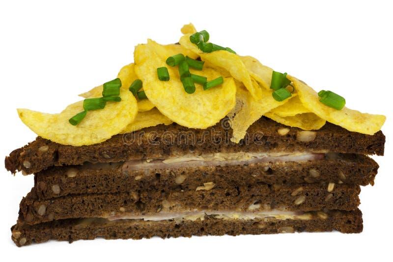 Schweinefleischschinkensandwich mit Chipsletten stockfotografie