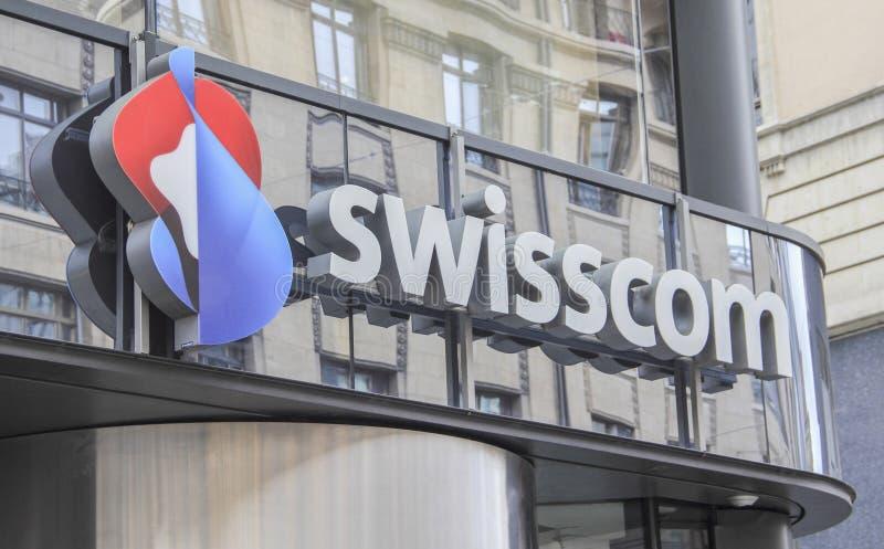 Schweiz; Genève; Mars 9, 2018; Swisscom teckenbräde; Swissco royaltyfri fotografi