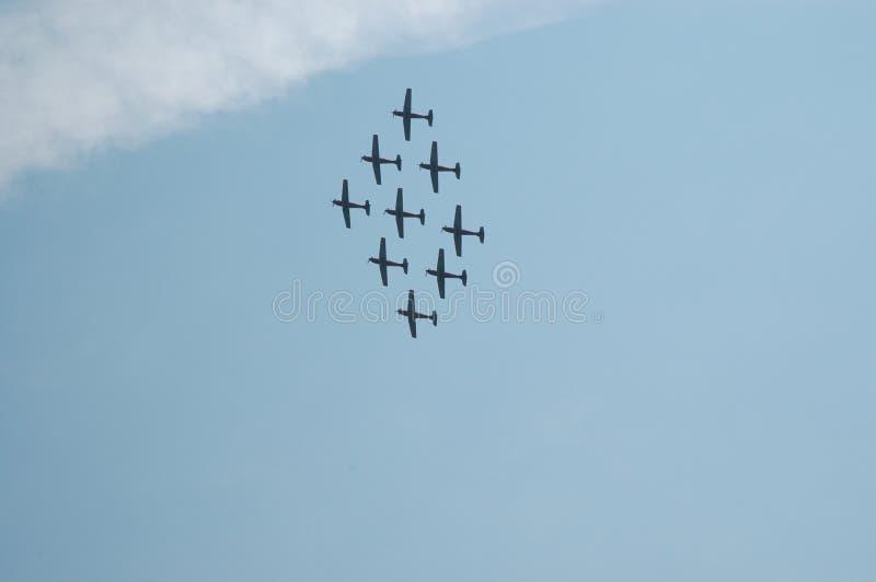 schweizare för militär för airshowflygbildande arkivbild
